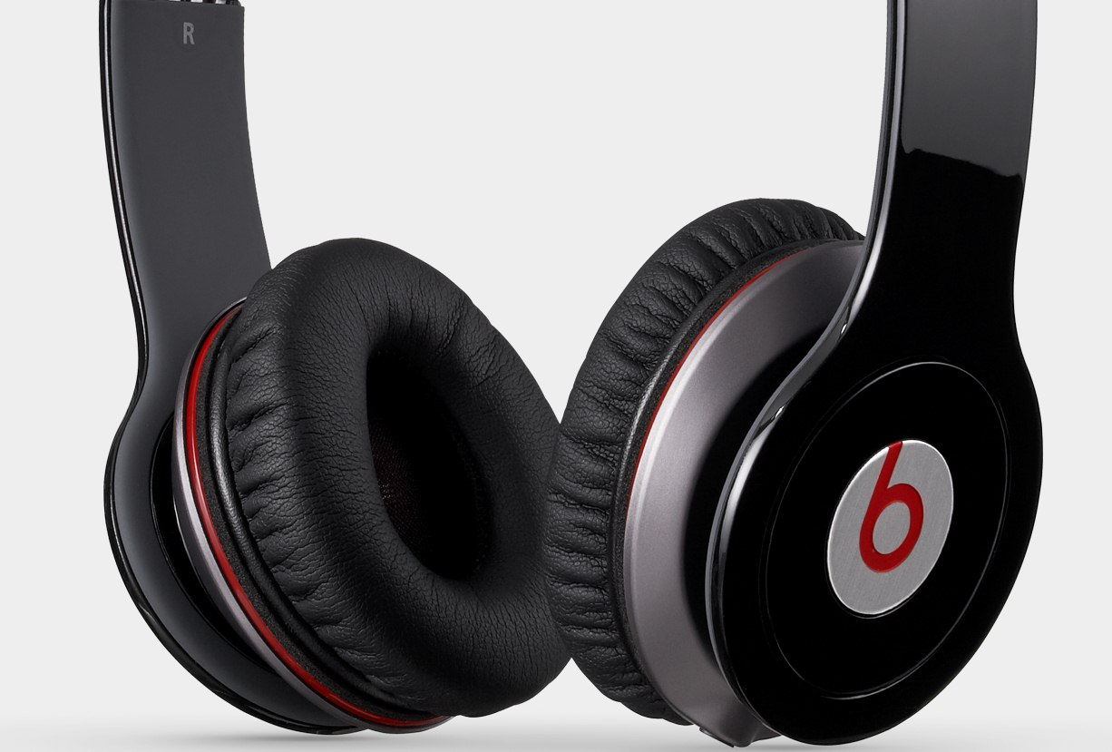 Dr  Dre suing Chinese conterfeiters of its popular Beats by