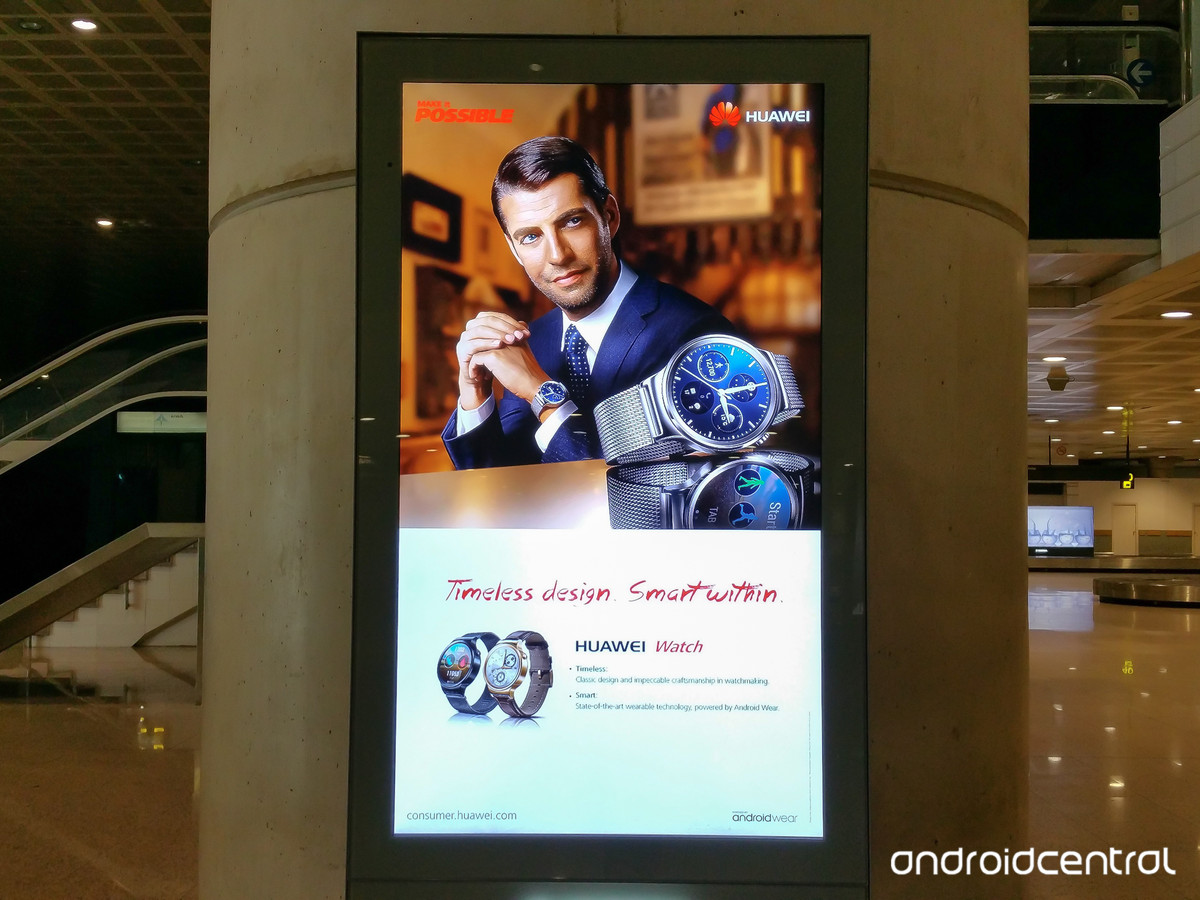 huawei-watch-airport-sign