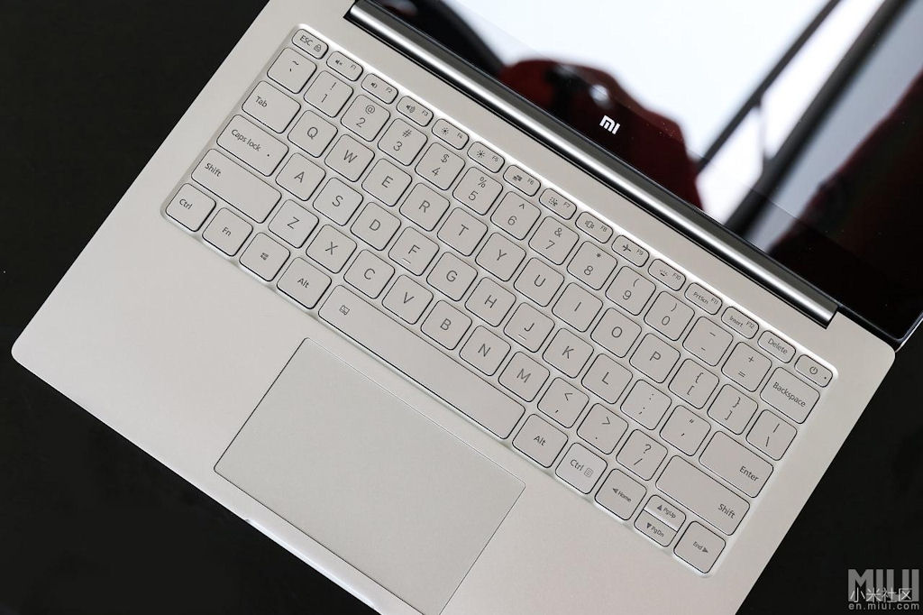xiaomi-mi-notebook-air--base
